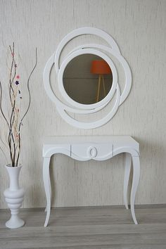 Best Mirror Design Ideas To Inspire Your Homes New Look - Whether You Are Planning A Renovation Or Youre In The Process Of Decorating Your Home There Are Lots Of Interesting And Gorgeous Mirror Ideas To Inspire Your Homes Fresh Look Besides The Mirror Artwork, Cool Mirrors, Home Decor Furniture, Furniture Design, Modern Mirror Design, Bedroom Decor, Wall Decor, Glass Design, Interior Design Living Room
