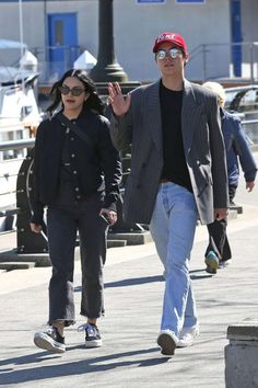 Camila Mendes og Cole Sprouse – Ud på Stanley Park i Vancouver - video Veronica, Riverdale Betty And Jughead, Camilla Mendes, Cole M Sprouse, Riverdale Characters, Riverdale Cast, Best Friends Forever, Vancouver, Sexy Men