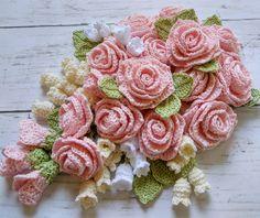 Crochet Flower Tutorial, Crochet Flower Patterns, Crochet Flowers, Crochet Wall Art, Diy Crochet, Crochet Bouquet, Doilies Crafts, Knit Rug, Diy Hair Accessories