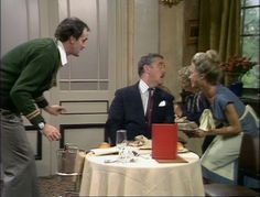 John Cleese, Connie Booth, and Bernard Cribbins in Fawlty Towers Connie Booth, Fawlty Towers, Color Television, Bbc Tv, British Comedy, Comedy Tv, Classic Tv, Funny Pictures, Entertaining