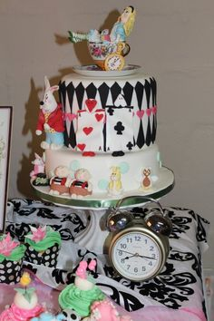 """""""Alice in Wonderland"""" made by www.sugarcakes.co.za"""