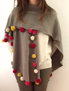 Fluff your fall wardrobe in an instant by creating some ponchos that you can throw on and go all season long. With minimal sewing or DIY skills, you can Diy Clothing, Clothing Patterns, Dress Patterns, Crochet Fashion, Diy Fashion, Knitted Shawls, Crochet Blanket Patterns, Ribbon Embroidery, Crochet Clothes