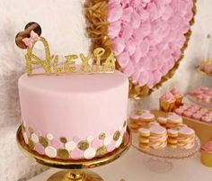 Cake Topper                                                                                                                                                                                 Más