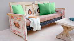 How to make a outdoor seat from old doors This uniquely stylish seat made from upcycled classic timber doors makes a staple piece to your patio funiture. Diy Garden Furniture, Modern Outdoor Furniture, Upcycled Furniture, Cool Furniture, Kitchen Nook Bench, Timber Door, Patterned Sheets, Outdoor Projects, Diy Projects