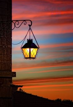 Outdoor Lighting Ideas The decision to purchase your very own home, is one of the largest investments you will ever make. Lantern Lamp, Candle Lanterns, Candles, Outdoor Light Fixtures, Outdoor Lighting, Lamp Light, Light Up, Street Lamp, Belle Photo