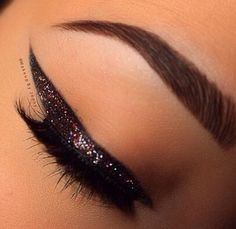 Makeuphall: The Internet`s best makeup, fashion and beauty pics are here. Eyebrows, Eyeliner, How Beautiful, Best Makeup Products, Body Care, Lashes, Make Up, Lipstick, Eyes