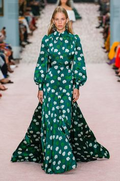 Carolina Herrera Spring 2019 Ready-to-Wear Collection - Vogue