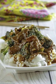Love Panda Express Beef and Broccoli? Make it at home with this easy copycat recipe and video. Serve Chinese broccoli beef over rice for a quick and delicious stir fry dinner. Panda Express Beef And Broccoli Recipe, Panda Express Recipes, Asian Recipes, Beef Recipes, Cooking Recipes, Hibachi Recipes, Recipies, Stir Fry Dishes, Copykat Recipes