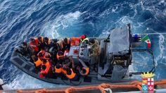 Offerte di lavoro Palermo  Dall'alba 18 interventi di Guardia Costiera Marina Militare e navi delle Ong. Un cadavere recuperato da un gommone  #annuncio #pagato #jobs #Italia #Sicilia Migranti: ondata di barconi nel Canale di Sicilia oltre duemila in salvo