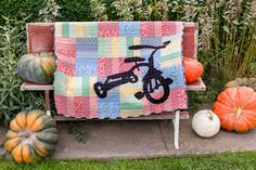 Jelly Roll Jam quilt video tutorial by Fat Quarter shop and tricycle applique instructions by Kristin | Sew Mama Sew |
