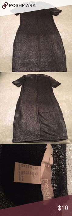 Forever21 Gray Metallic Dress Size S NWOT Gorgeous!! Could be paired with leggings and long necklaces for a very cute look! New without tags! Forever 21 Dresses Midi