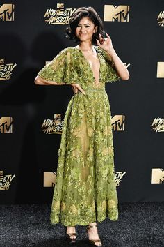 Fashion hits and misses from the 2017 MTV Movie and TV Awards Zendaya attends the MTV Movie & TV Awards in Los Angeles on May – Rob Latour /REX/Shutterstock Zendaya Dress, Zendaya Outfits, Zendaya Style, Zendaya Fashion, Mode Chic, Mode Style, Estilo Zendaya, Pretty Dresses, Modest Fashion