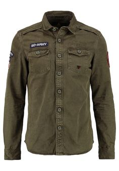 Kleding Superdry ARMY CORPS - Casual overhemd - congo Olijf: € 94,95 Bij Zalando (op 17/08/17). Gratis verzending & retournering, geen minimum bestelwaarde en 100 dagen retourrecht!