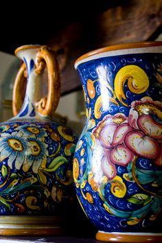 Ceramica tipica di Caltagirone - Belle immagini royalty free della Sicilia  #lcaltagirone  #sicilia #sicily