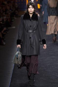 Fendi Fall 2016 Ready-to-Wear Collection Photos - Vogue  #Fendi  #fashion  #Koshchenets
