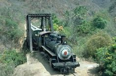 guatemala trains | Steam train with locomotive 205 ascending from Rancho to Guatemala ...
