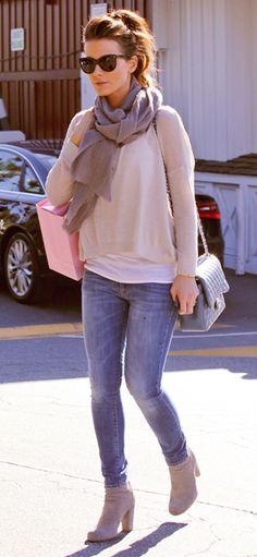 Flowy sweater, skinny jeans, booties