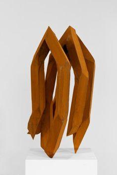 ROBERT SCHAD Durch den Körper, durch den Raum Museum Lothar Fischer http://robertschad.eu/de/skulpturen/
