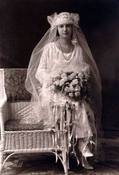 vintage bride-reminds me of my mother-in-law's wedding picture-in the thirties.