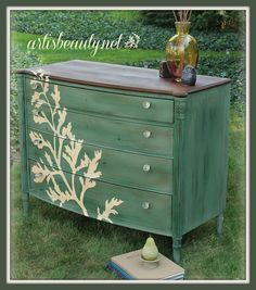 Whimsical Painted Furniture | You are going to fall in love with this painted beauty from