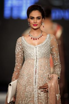 Pakistani couture, Model Mehreen Syed