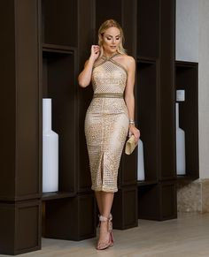 Foto, with a different shoe . Elegant Dresses, Sexy Dresses, Beautiful Dresses, Dress Outfits, Evening Dresses, Casual Dresses, Short Dresses, Fashion Dresses, Formal Dresses