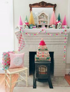 Tante S!fr@ loves this pin Bright Christmas decor Christmas Mantels, Christmas 2019, Retro Christmas, Christmas Time Is Here, Christmas Love, Winter Christmas, Christmas Crafts, Christmas Ideas, Whimsical Christmas