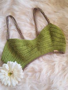 Bikinis Crochet, Crochet Bra, Crochet Crafts, Hand Crochet, Crochet Clothes, Diy Clothes, Crochet Hooks, Crochet Projects, Crochet Bikini Top