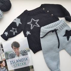 Knit children s pants models 9 children models pants Baby Boy Knitting, Knitting For Kids, Baby Knitting Patterns, Knit Baby Dress, Knitted Baby Clothes, Baby Pullover, Baby Cardigan, Baby Boy Outfits, Kids Outfits