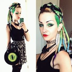 #ootd !  With my cool @kreepsville666 bag! And can you guess my favorite color?? Eheheh #gothgoth #aliengoth #dreads #kreepsville #kreepsville666 #wooldreads #syntheticdreads #alien #undercut #greenhair #tropicalgoth