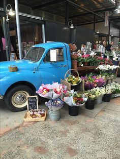 Flowers on the move #flowers #markets #livingcolour