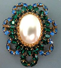 LARGE VINTAGE SIGNED VENDOME SPARKLY BLUE GREEN RHINESTONE SHIMMERY PEARL BROOCH