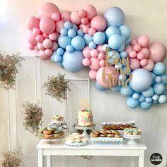 Gender Reveal Ballons, Gender Reveal Party Decorations, Birthday Balloon Decorations, Balloon Centerpieces, Balloon Garland, Gender Party, Baby Gender Reveal Party, Pregnancy Gender Reveal, Its A Boy Balloons