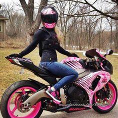motociclista sexy More