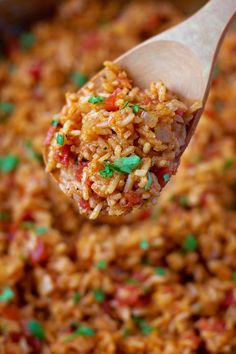 Flavorful Spanish Rice – Life Made Simple This flavorful spanish rice is a perfect side dish to serve along with tacos, burritos or enchiladas! Start to finish, it's ready to go in less than 30 minutes! Enchiladas, Rice Recipes For Dinner, Side Dish Recipes, Minute Rice Recipes, Mexican Dishes, Mexican Food Recipes, Rice Dishes, Food Dishes, Most Popular Recipes