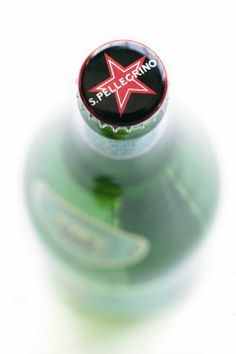 Always look for the classic red star and the unique sparkling texture.