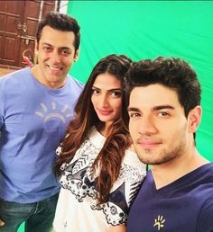Athiya Shetty's love for Shah Rukh Khan didn't go down well with Salman Khan's team