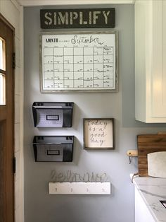 Creative Command Center Design Ideas That Will Transform Your Space 49 Command Center Kitchen, Family Command Center, Command Centers, Small Apartment Decorating, Small Apartment Hacks, Wall Organization, Small Apartments, Home Renovation, Home Projects