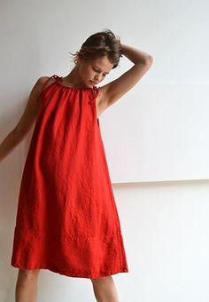 Pip-Squeak Chapeau Etc - Normandy Dress, lipstick