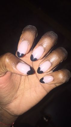 My black heart shaped french manicure! 🖤