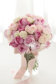ロザリウム(Rosarium) ピンクグラデーション Wedding Bouquets, Wedding Flowers, Flower Bowl, Marie, My Favorite Things, Rose, Sweet, Plants, Pink