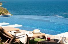 A truly infinite infinity pool in Villa Aurora, a luxury villa in Huatulco Mexico