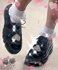 Dr Shoes, Goth Shoes, Me Too Shoes, Oxford Shoes, Aesthetic Shoes, Goth Aesthetic, Aesthetic Clothes, Mode Outfits, Grunge Outfits