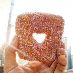 Fab Happenings: Top 5 Doughnuts in Chicago by PoweredbyDoughnuts #fabfoodchicago // Photo: Steven Balderas