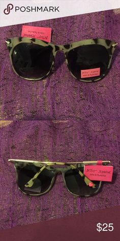 4th SALE BETSEY JOHNSON SUNNIES BETSEY JOHNSON - SUNNIES - NEW PERFECT FOR SUMMER - 100% UV PROTECTION - TORTOISE SHELL WITH GOLD SIDE ARMS- SIGNATURE PINK HEART ON EARPIECE - THESE ARE FUN & GORGEOUS !! Betsey Johnson Accessories Glasses