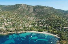 Le Lavandou This is a small, old harbour town in the Western Riviera, surrounded by picturesque wooded coves and small sandy beaches.