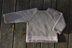 Hej allihop – nu är Anna tillbaka med en ny variant på temat Två trådändar! Det är ju väldigt gulligt med spädbarnskläder överhuvudtaget, och många av oss tycker om att … Baby Barn, Baby Sweaters, Baby Knitting, Knit Crochet, Pullover, Tees, Long Sleeve, Pattern, Mens Tops