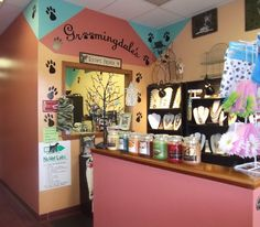 Great looking dog grooming salon in the Poconos in PA  check them out     http://dogculture.net/dog-puppy-services/dog-groomers/groomingdales-doggie-salon-817.htm