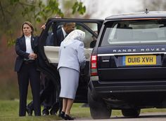 Queen Elizabeth II Photos - Queen Elizabeth II and US President Barack Obama get into a car after he landed by helicopter at Windsor Castle for a private lunch on April 22, 2016. The President and his wife are currently on a brief visit to the UK where they will have lunch with HM Queen Elizabeth II at Windsor Castle and dinner with Prince William and his wife Catherine, Duchess of Cambridge at Kensington Palace. Mr Obama will visit 10 Downing Street on Friday afternoon where he is to hold…