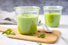 Grüne Gin-Kaltschale